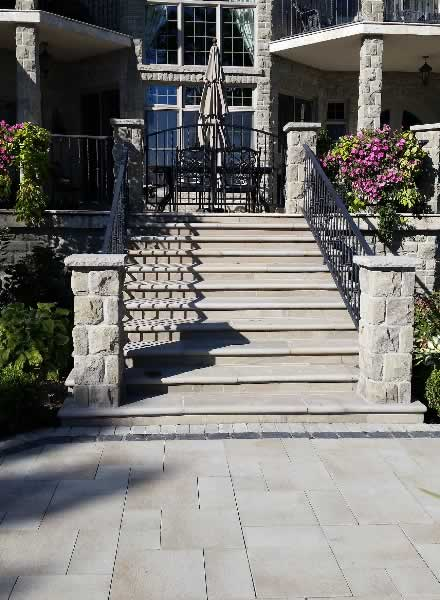 Bullnose lavander sandstone coping on steps